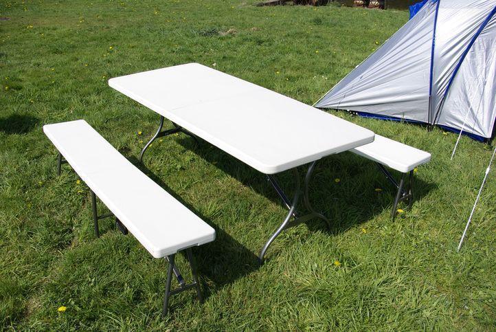Skládací zahradní stůl Garth + 2 lavice